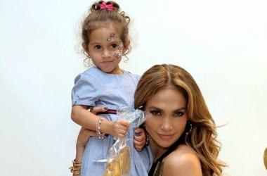 Дженнифер Лопес сделала 5-летней дочке тату (фото)