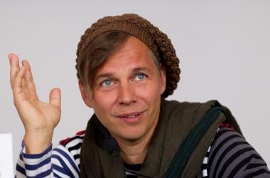 Илья Лагутенко: 'Все может перевернуться с ног на голову - без твоего ведома'
