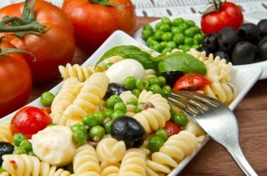 Топ-рецепты дня: 3 аппетитных блюда с зеленым горошком