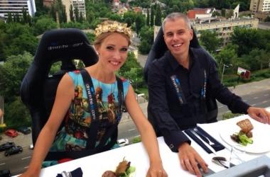 Катя Осадчая с Андреем Доманским отужинала в небе (фото)