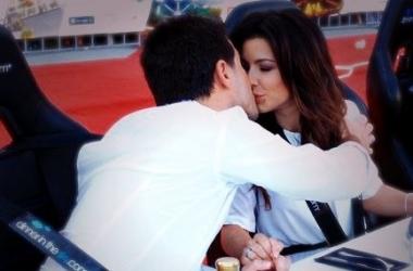 Ани Лорак целовалась с мужем под небесами (фото)