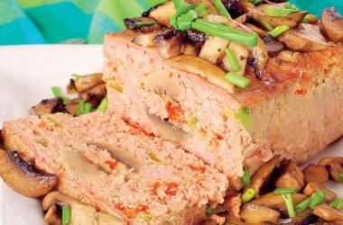 Рецепт дня: мясной хлеб с грибами