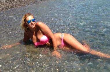 Похудевшая Яна Клочкова показала потрясающий загар (фото)