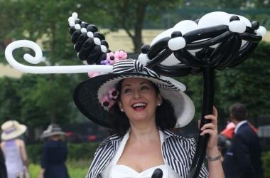 Самые странные и забавные королевские шляпки (фото)