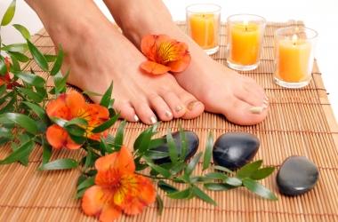 Уход за кожей ног: 5 простых советов для мягких пяток