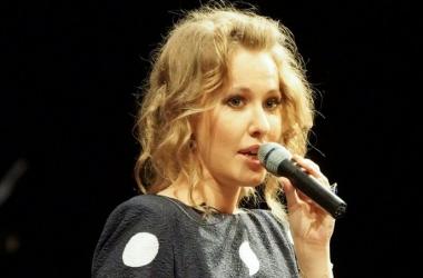 Ксения Собчак удивила прической с дредами (фото)
