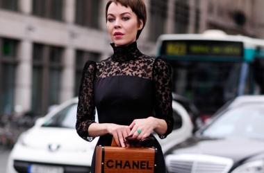 Стиль звезды: Ульяна Сергеенко прогуливается в платье от кутюр (фото)