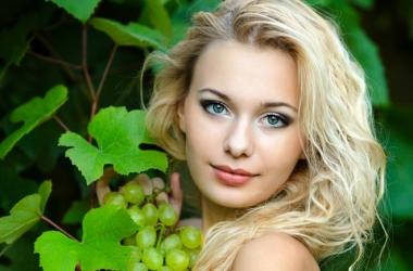 Какие фрукты и ягоды сделают тебя красавицей