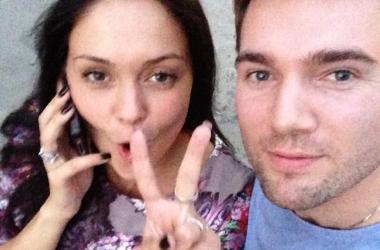 Андрей Искорнев с Ирой отдыхает в отеле на Андреевском спуске (фото)