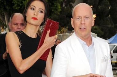 Стиль звезд: черно-белая парочка Брюс Уиллис с женой (фото)
