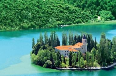 Хорватия: страна живописных холмов и густых лесов (фото)