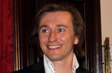 Сергей Безруков изменил жене с режиссером
