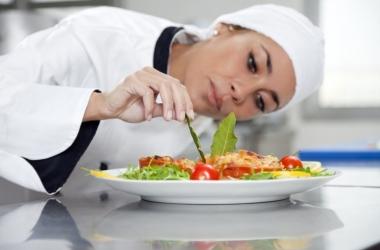 Упругость груди зависит от свежести пищи