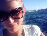 Катя Осадчая показала задорное осеннее фото без макияжа