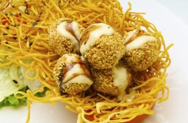 Рецепт дня: Мясные шарики в кунжуте