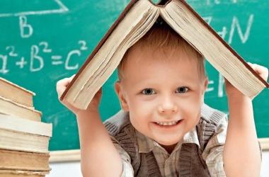 Когда начинать изучать иностранный с ребенком: мнение психолога