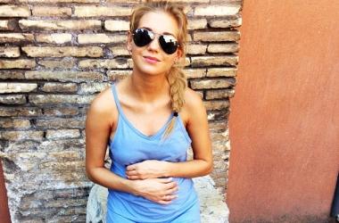 Несчастная Кристина Асмус официально показала беременный животик (фото)
