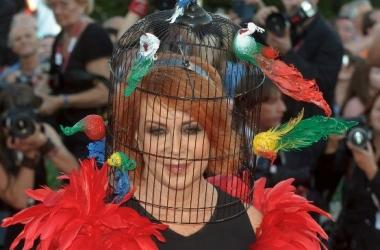 Как птичья клетка стала шляпкой: модная фишка (фото)