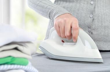 4 простых средства для чистки утюга