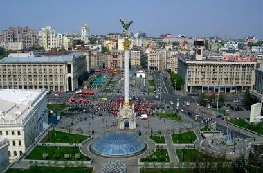 Киевлян призывают самим убирать улицы перед Пасхой