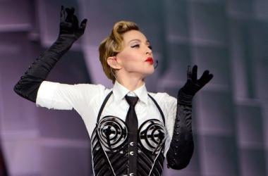 55-летняя Мадонна снялась топлесс и показала подтянутую фигуру (фото)