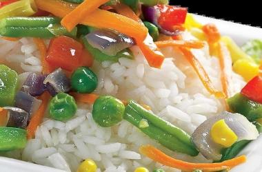 Как приготовить рис с овощами: простой рецепт
