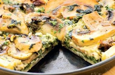 Киш с грибами и шпинатом: рецепт вкусного ужина