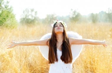 День Ангела Людмилы: красивые и прикольные смс поздравления с именинами