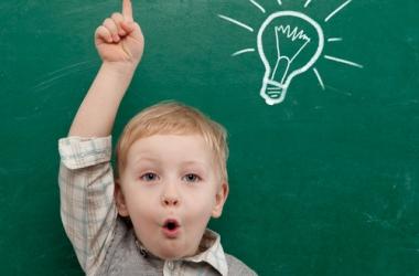 Что подарить на День учителя: 20 полезных идей