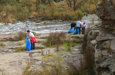 ТМ 'Природне джерело' вернула Букскому каньону первозданную чистоту