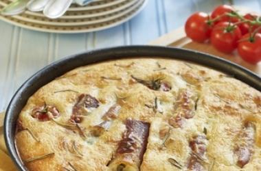Быстрый мясной пирог: рецепт для осеннего ужина