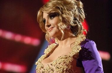 Стиль звезды: Оксана Марченко блеснула шикарным декольте (фото)