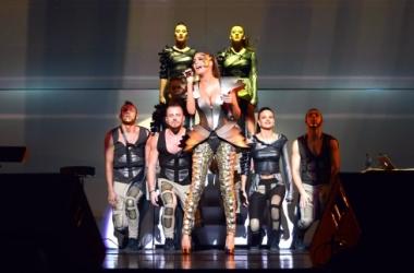 Стиль звезды: Кети Топурия в эротичном металле (фото)