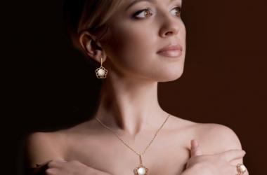 Ювелирные украшения из жемчуга от ЮЗ 'Золотой Век'