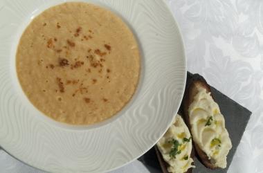 Мастер-класс от шеф-повара: суп-пюре из минтая  с гренками (фото)
