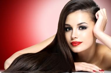 Как вернуть волосам здоровье и блеск: 8 домашних рецептов