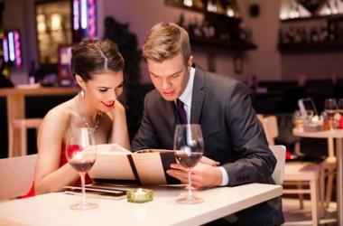 Манера заказывать еду в ресторане может уничтожить свидание