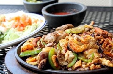 Идея для новогоднего стола: мексиканский фахитас (рецепт)