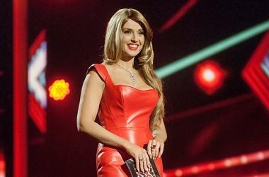 Стиль звезды: Оксана Марченко в красном кожаном платье (фото)