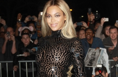 Стиль звезды: Бейонсе в голом платье (фото)