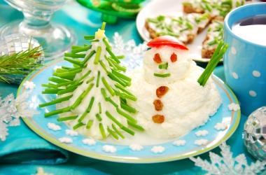 Аппетитные снеговики: вкусный новогодний рецепт из творога