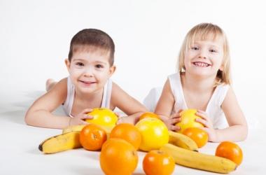 Экзотические фрукты в рационе ребенка: главные опасности