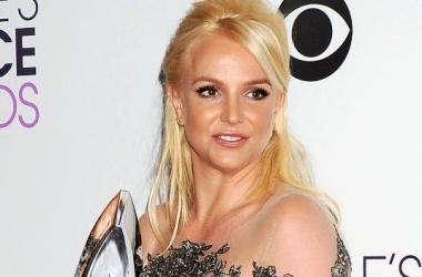 Модная катастрофа: Бритни Спирс с ужасной прической (фото)