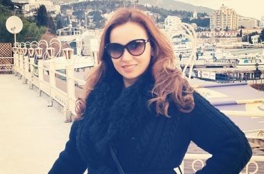 Анфиса Чехова вышла на улицу без макияжа (фото)
