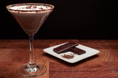 Шоколадный мартини: рецепт десертного напитка