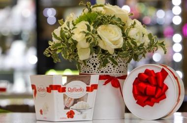 Бутоньерка к 8 марта - изысканный символ романтики
