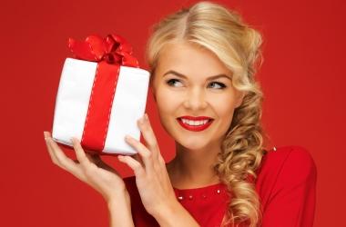Что подарить на 8 Марта: универсальные подарки
