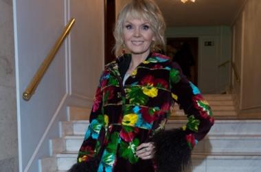 Модная катастрофа: беременная Валерия в жутком наряде (фото)