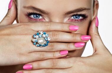 На каком пальце носить кольцо: мнение ученых