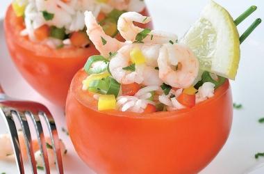 Легко и вкусно: помидоры, фаршированные рисом и креветками. Рецепт